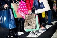Tại sao chúng ta lại mua sắm bốc đồng và cách hạn chế hành vi 'có hại' này