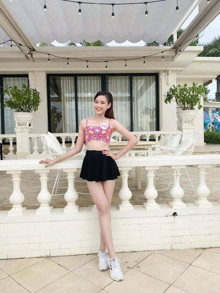 Xôn xao hình ảnh quá khứ của Hoa hậu Đỗ Thị Hà, gây chú ý nhất là đôi chân 1m1-3