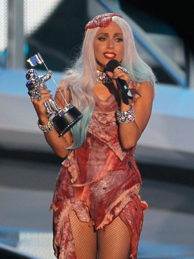Lady Gaga và cuộc đời quá nhiều cay đắng: Bị xâm hại, sỉ nhục cả thế xác lẫn tân hồn-4