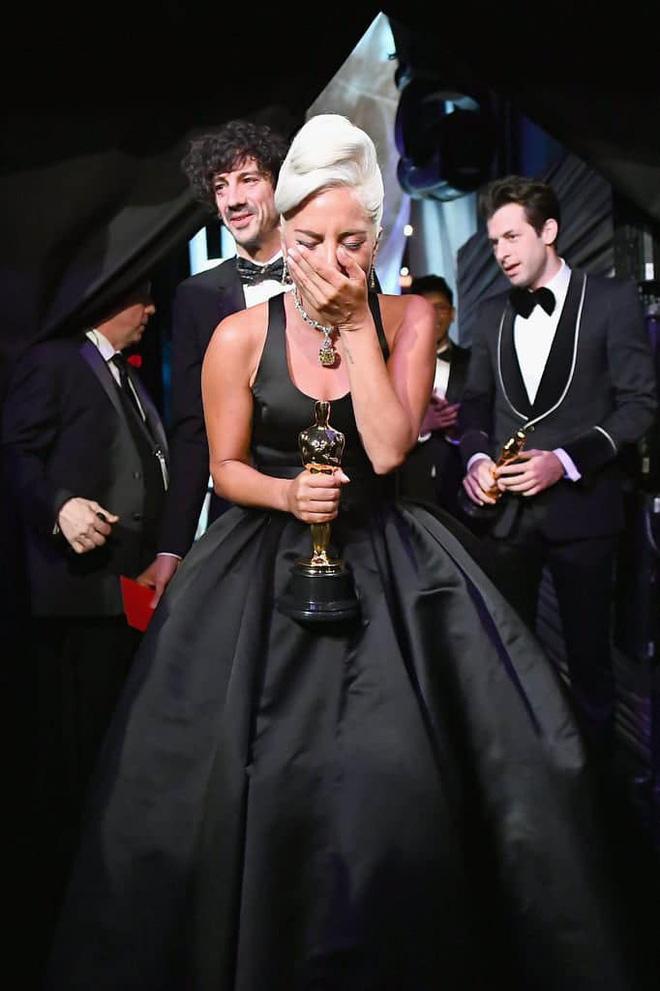 Lady Gaga và cuộc đời quá nhiều cay đắng: Bị xâm hại, sỉ nhục cả thế xác lẫn tân hồn-8