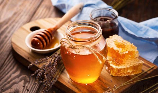 Trẻ bị ho muốn dùng mật ong để chữa bệnh: Chuyên gia cảnh báo những trẻ tuyệt đối không được áp dụng-1