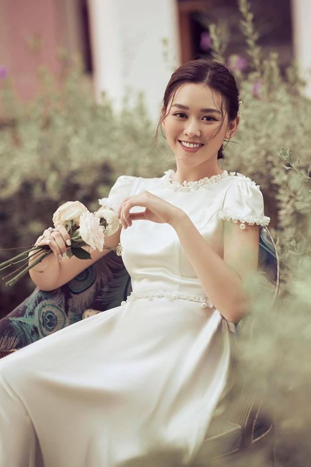 Hé lộ dàn khách mời khủng đến dự đám cưới Tường San: Cả quân đoàn Hoa hậu, Á hậu đình đám hội tụ hết tại đây rồi!-5