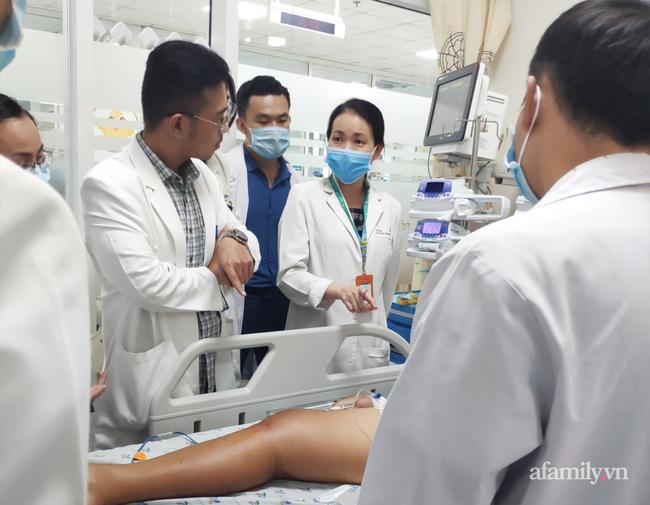 Bé trai 14 tuổi ở Kiên Giang nhiễm khuẩn bí ẩn, tính mạng nguy kịch sau khi vô tình vấp té trên sà lan-2