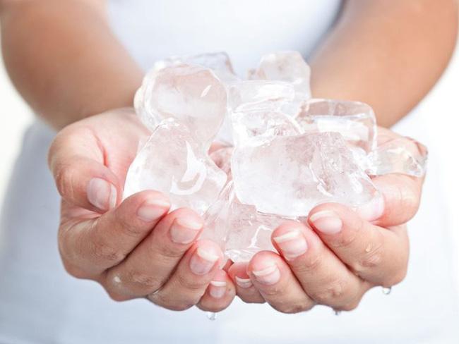 Đặt một viên đá lạnh lên cổ, phụ nữ ngày càng trẻ hơn nhờ vô số tác dụng siêu hay-4