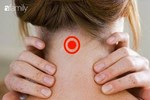 Đặt một viên đá lạnh lên cổ, phụ nữ ngày càng trẻ hơn nhờ vô số tác dụng siêu hay