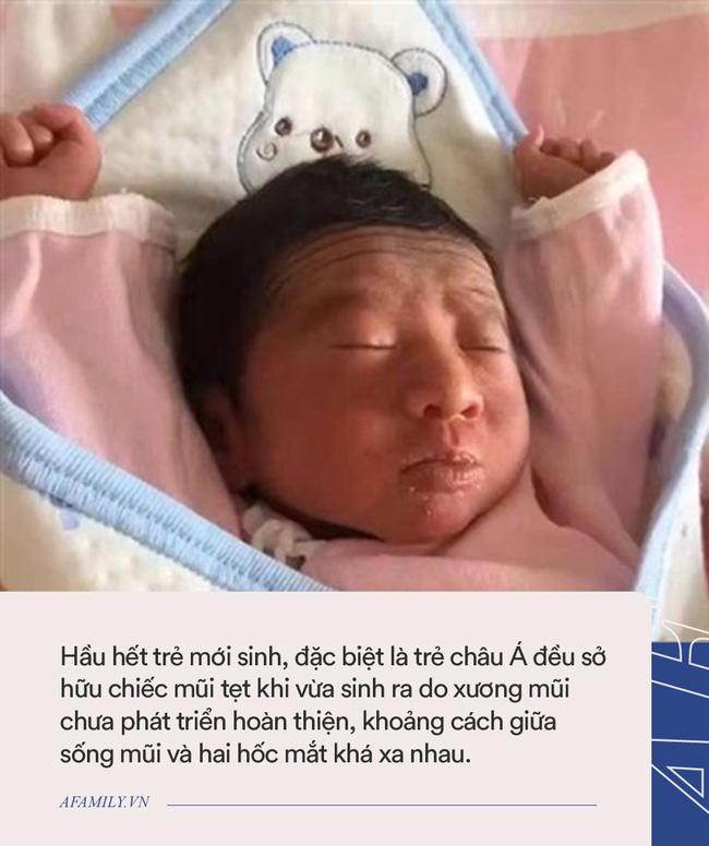 Nhìn nhan sắc con gái mới sinh, ông bố biểu cảm như thể muốn trả về nơi sản xuất-3