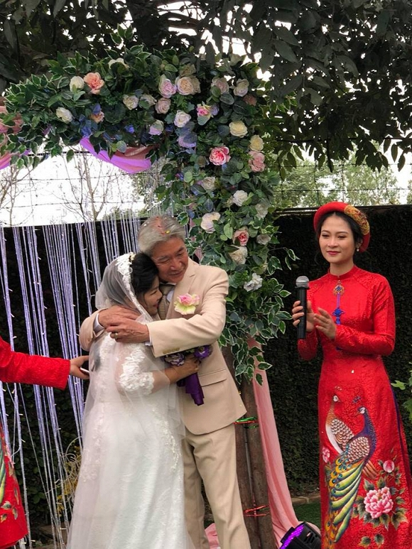 NSND Thanh Hoa: 68 tuổi mới được làm cô dâu, khóc nhiều hơn cười-3