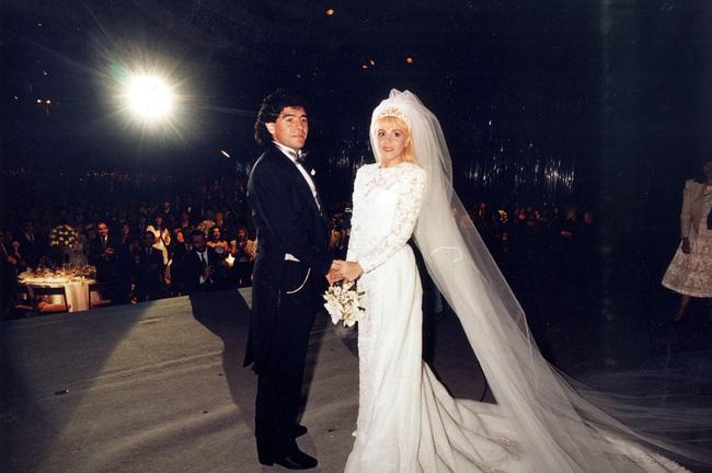 Huyền thoại Diego Maradona ra đi để lại 11 người con, kết quả của cuộc đời hào hoa và cuộc chiến tranh quyền thừa kế chưa có hồi kết-1