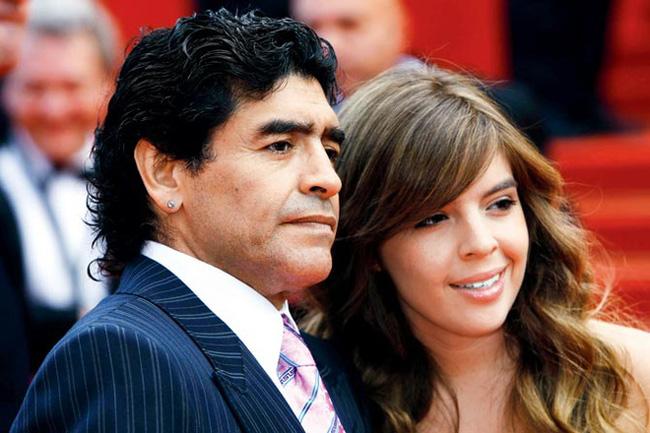 Huyền thoại Diego Maradona ra đi để lại 11 người con, kết quả của cuộc đời hào hoa và cuộc chiến tranh quyền thừa kế chưa có hồi kết-2