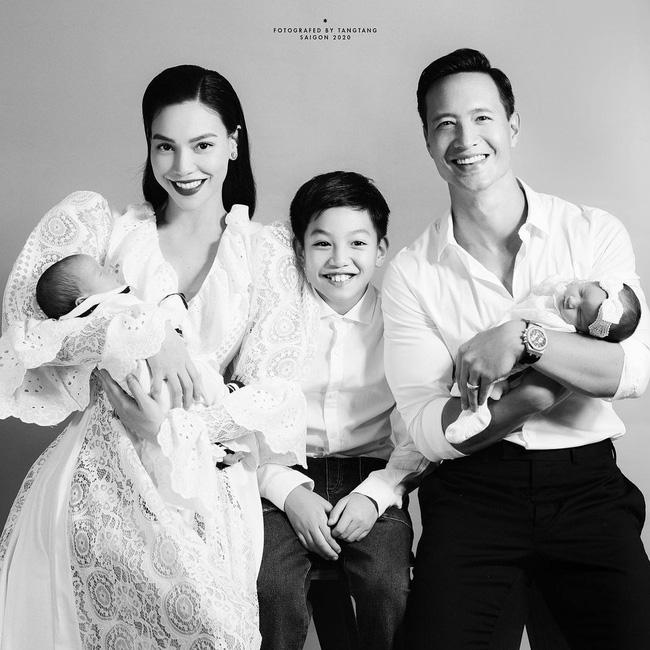 Hồ Ngọc Hà tiếp tục khoe khoảnh khắc ngọt ngào bên Kim Lý và cặp song sinh-2