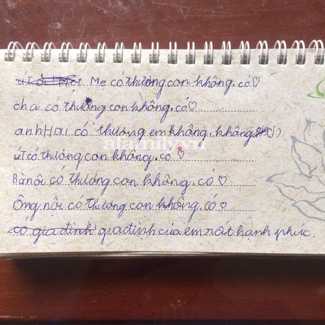 Bé gái lớp 2 viết nhật ký kể về gia đình, dân tình choáng váng phán ngay một câu: Anh trai đọc xong chắc trầm cảm-1