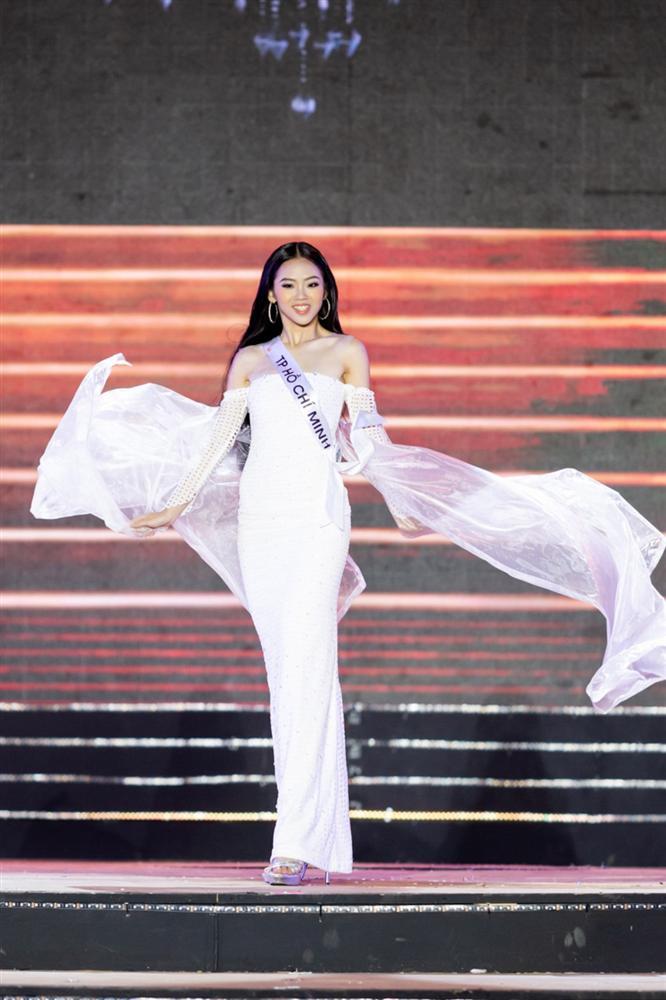 Thêm một pha nghi án váy nhái tại cuộc thi Hoa hậu: Bộ đầm mà Ngân Anh, Hương Giang từng mặc cũng bị đào mộ ngay lập tức-1