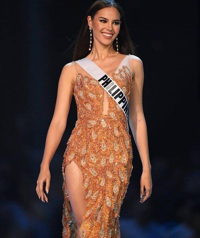 Thêm một pha nghi án váy nhái tại cuộc thi Hoa hậu: Bộ đầm mà Ngân Anh, Hương Giang từng mặc cũng bị đào mộ ngay lập tức-8