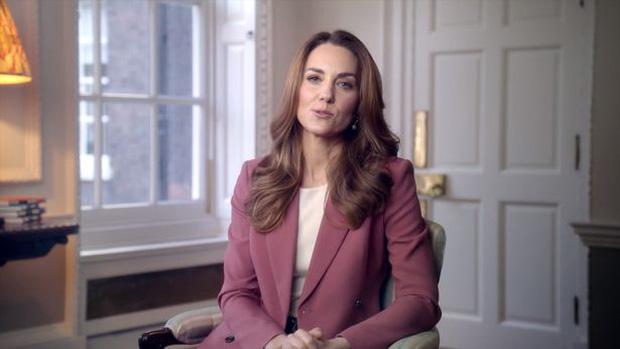 Lý do chính vì sao Meghan Markle bất ngờ chia sẻ về việc bị sảy thai, Hoàng gia Anh và Công nương Kate đã phản ứng ra sao?-4