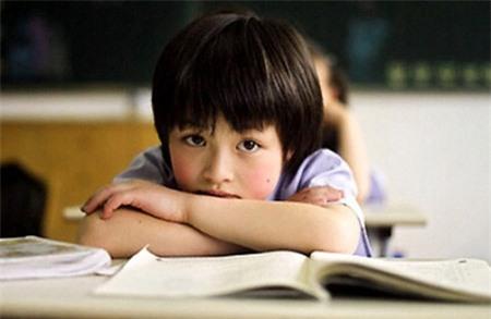 Cha mẹ không nhất thiết phải hoàn hảo thì con mới ngoan giỏi, đôi khi tỏ ra yếu đuối và giả vờ không biết gì cũng là một cách hay để dạy con-3