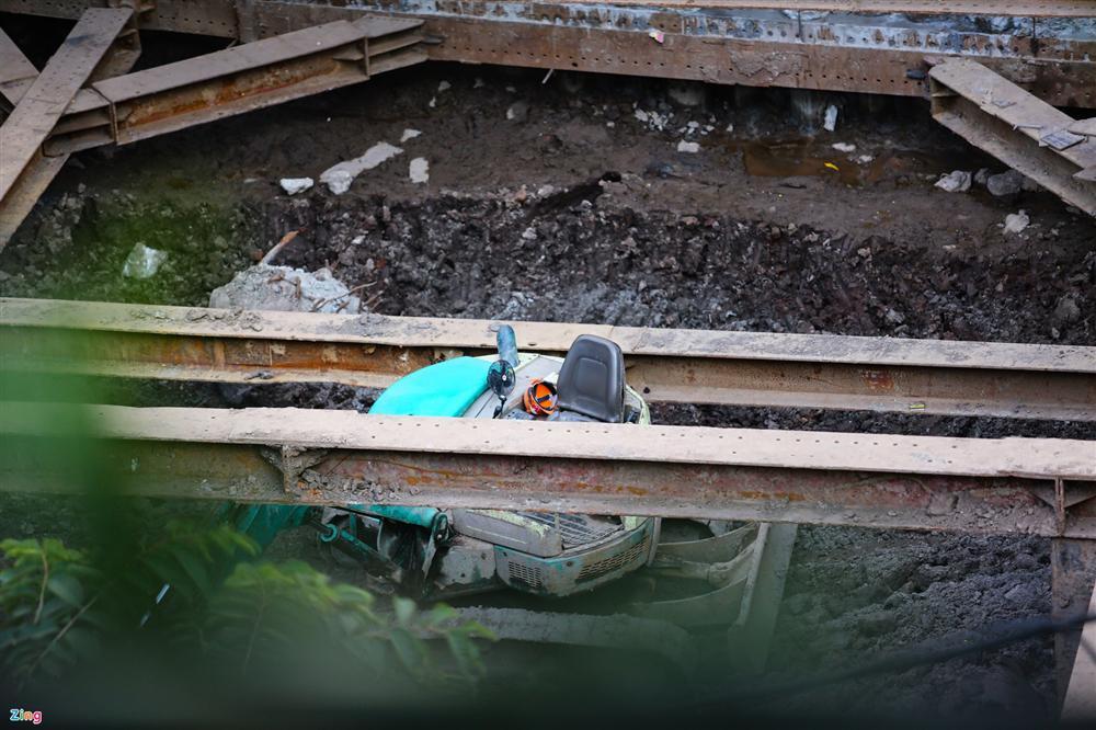 Hiện trường tìm thấy quả bom nặng 340 kg tại Hà Nội-2