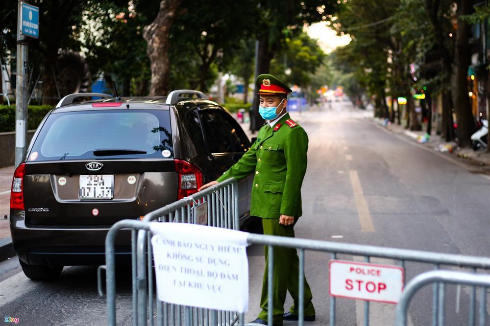 Hiện trường tìm thấy quả bom nặng 340 kg tại Hà Nội-4