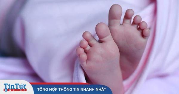 Kỳ lạ em bé chào đời đã có kháng thể chống Covid-19