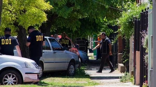 Bác sĩ của Maradona chịu cáo buộc làm người khác chết oan, văn phòng và nhà riêng bị cảnh sát ập vào khám xét-2