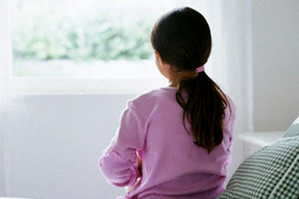 Từ vụ bé Hà Nội tự tử, cần biết 10 dấu hiệu trầm cảm sớm ở trẻ-2