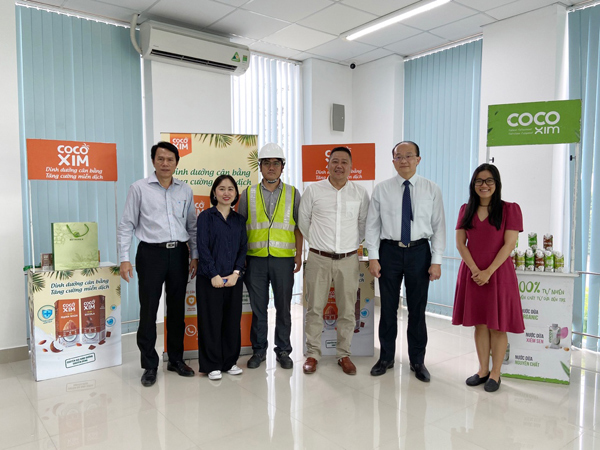 Tổng lãnh sự Singapore đến tham quan nhà máy Betrimex-1