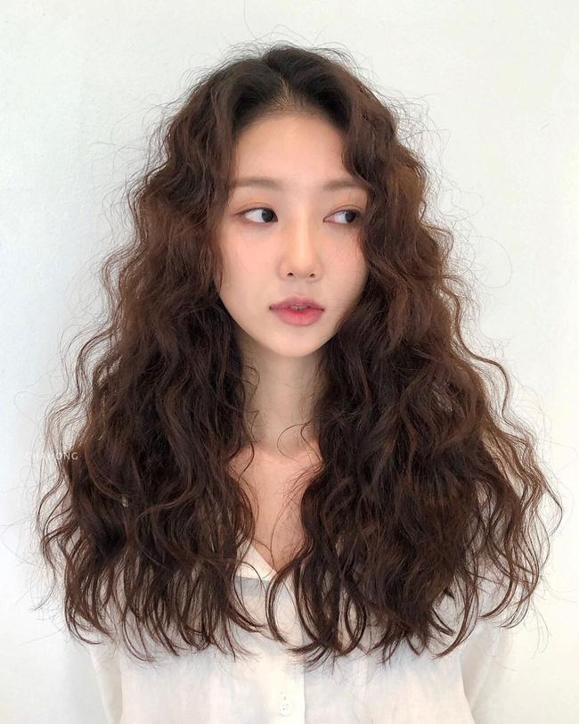 Thử nghiệm kiểu tóc xoăn hot năm nay, 3 cô nàng đơ người vì thà để lại tóc cũ còn đẹp hơn!-9