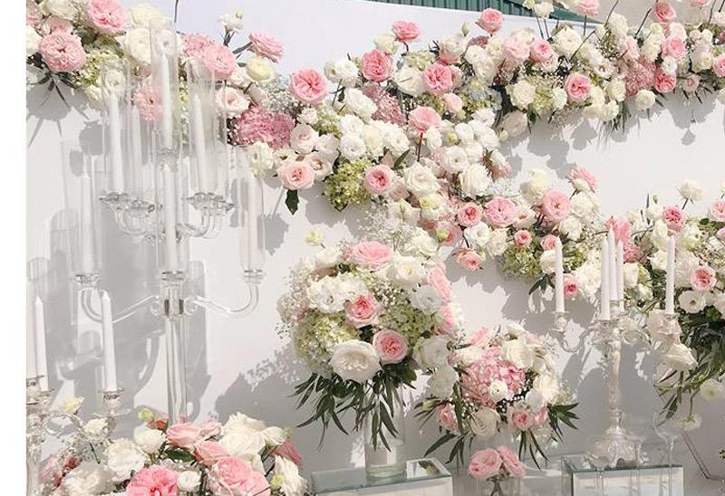 Đại gia thuê người làm đám cưới giả, cô dâu khóc ngất trong hôn lễ-1