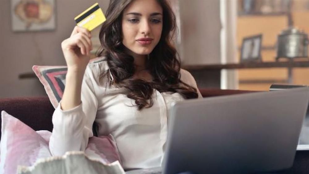 """Mách chị em 12 điều cần lưu ý để tránh bị một cú lừa"""" khi mua sắm trực tuyến trong mùa giảm giá dịp cuối năm này-5"""