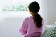 Từ vụ bé Hà Nội tự tử, cần biết 10 dấu hiệu trầm cảm sớm ở trẻ