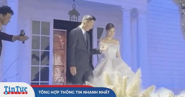 đám cưới Á hậu Tường San: Khoảnh khắc cha dẫn cô dâu lên lễ đường gây xúc động