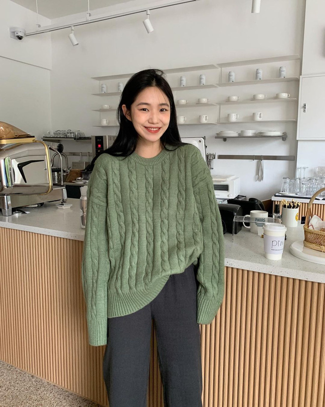 Trend áo len năm nay có 6 kiểu must-have, nàng nào cũng nên sắm để nâng điểm phong cách cho xịn sò-4