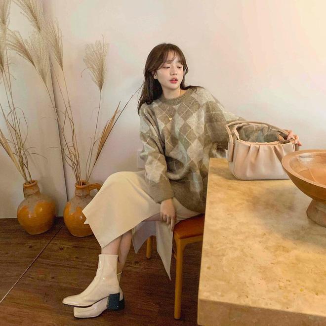 Trend áo len năm nay có 6 kiểu must-have, nàng nào cũng nên sắm để nâng điểm phong cách cho xịn sò-11