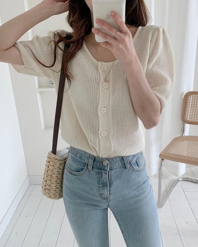 Trend áo len năm nay có 6 kiểu must-have, nàng nào cũng nên sắm để nâng điểm phong cách cho xịn sò-13