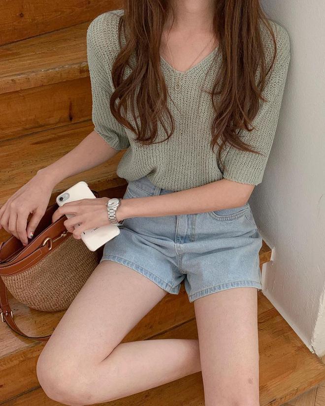 Trend áo len năm nay có 6 kiểu must-have, nàng nào cũng nên sắm để nâng điểm phong cách cho xịn sò-16