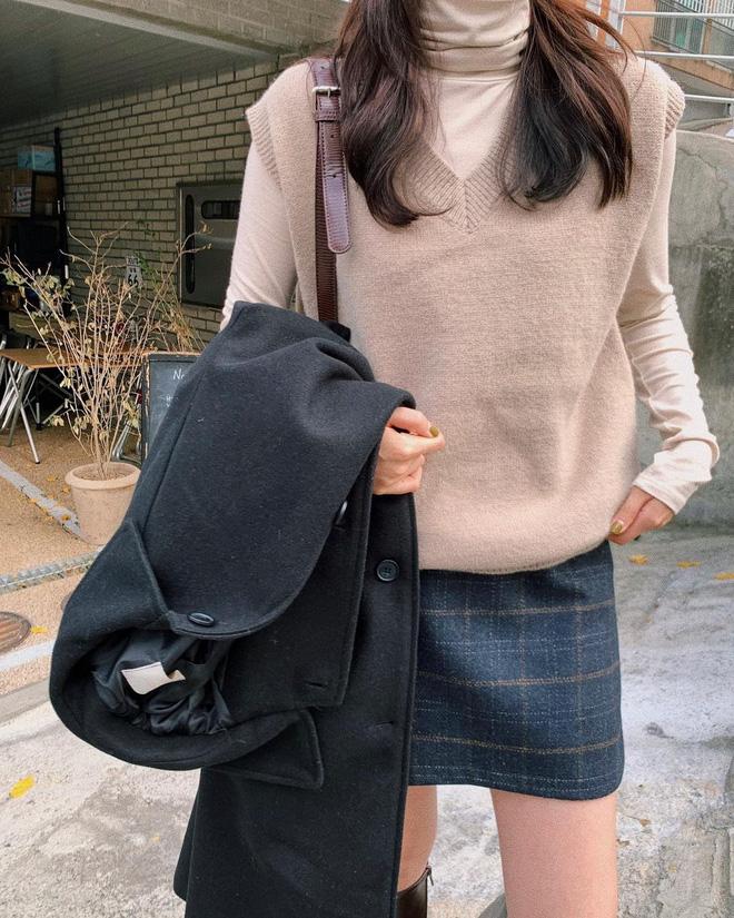 Trend áo len năm nay có 6 kiểu must-have, nàng nào cũng nên sắm để nâng điểm phong cách cho xịn sò-23