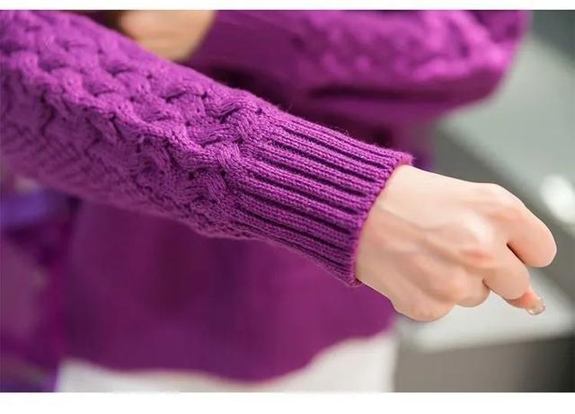 Áo len cashmere, áo khoác dạ... trang phục mùa đông rất nặng và khó giặt? Mách bạn 7 mẹo làm sạch quần áo mùa đông siêu thiết thực-1