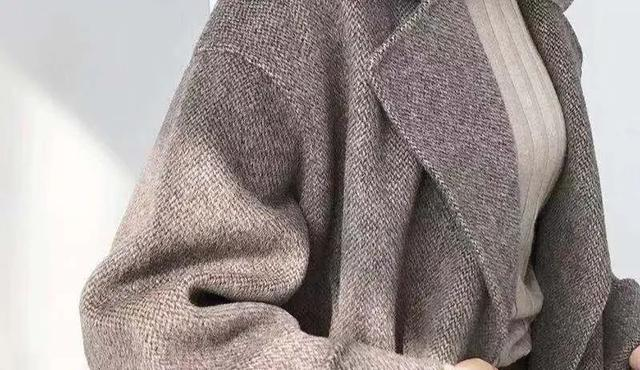 Áo len cashmere, áo khoác dạ... trang phục mùa đông rất nặng và khó giặt? Mách bạn 7 mẹo làm sạch quần áo mùa đông siêu thiết thực-5