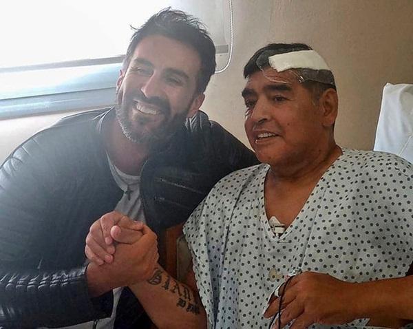 Bác sĩ rơi nước mắt, phản bác cáo buộc làm Maradona chết oan: Ông ấy đầu hàng bệnh tật-3