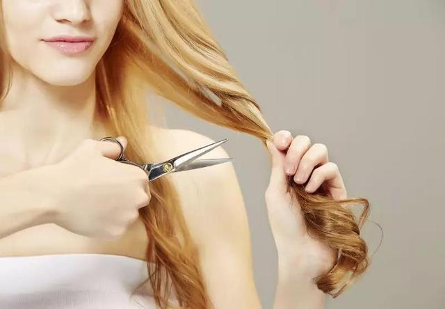 Tóc dài khi mang thai có ảnh hưởng đến sự phát triển của thai nhi không? Lời khuyên của bác sĩ khiến nhiều bà bầu phải suy nghĩ-2