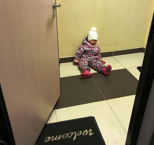 """Nhà có trẻ con, không giây phút nào nhàm chán"""", không tin cứ xem những bức ảnh này sẽ rõ-21"""