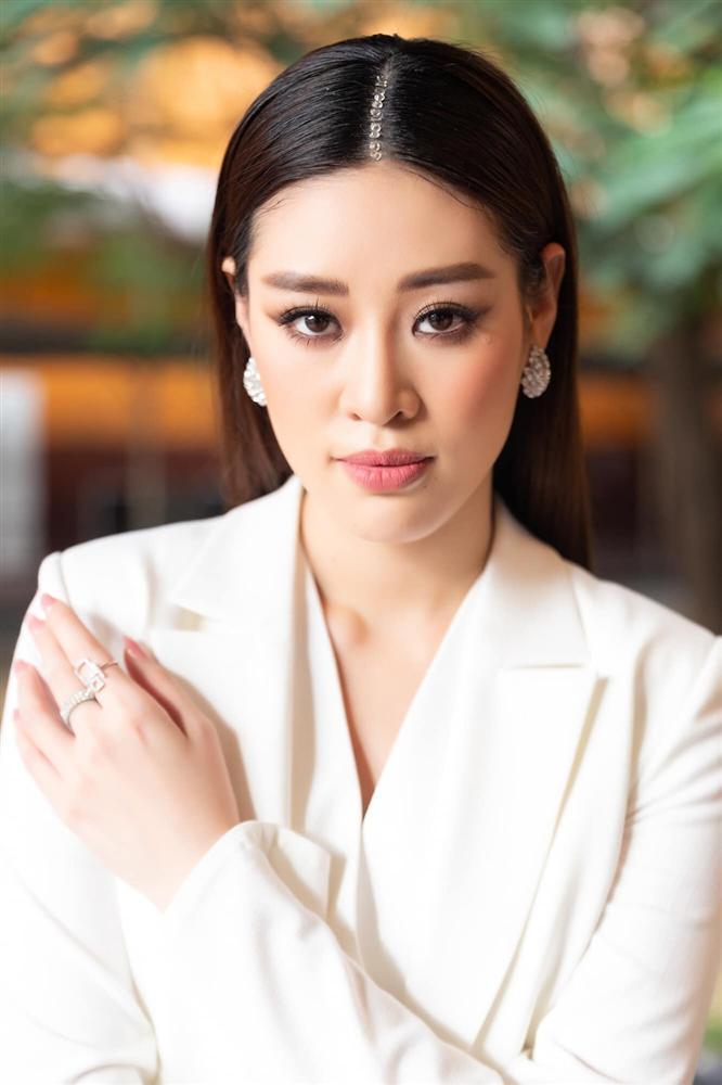 Khánh Vân bất ngờ cắt tóc ngắn, fan khen ngợi nhưng tiếc style mái dài phù hợp thi Miss Universe-4