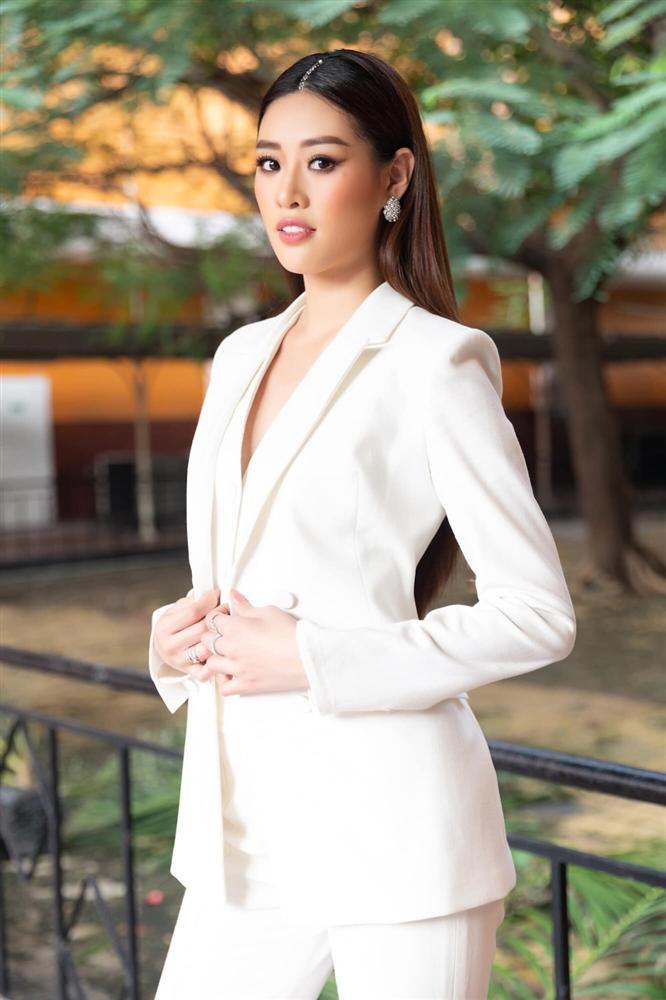 Khánh Vân bất ngờ cắt tóc ngắn, fan khen ngợi nhưng tiếc style mái dài phù hợp thi Miss Universe-5
