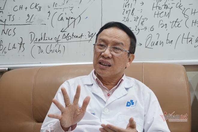 Người đầu tiên ở Việt Nam bị đổ mồ hôi máu được chữa khỏi-2