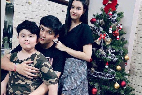 Trương Quỳnh Anh vui vẻ hội ngộ Tim, khung ảnh 3 người cùng đón Giáng sinh gây x