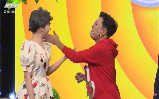 Túm áo, hất thức ăn vào đồng nghiệp ở game show Việt-4