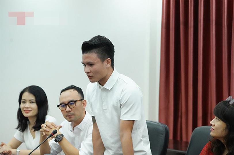 Quang Hải bất ngờ trở thành tân sinh viên của trường Đại học Kinh Tế Hà Nội, dân mạng cà khịa: Tầm này lái Mẹc đi học là hết ý!-4