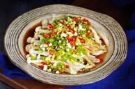 Chế biến nấm hải sản theo cách này, hội chị em ăn kiêng có thể đá bay cơn thèm cơm nhờ hương vịthơm ngon ngây ngất!