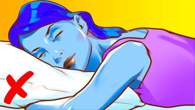 Đi ngủ không gối đầu và những lợi ích với sức khỏe không phải ai cũng biết-5
