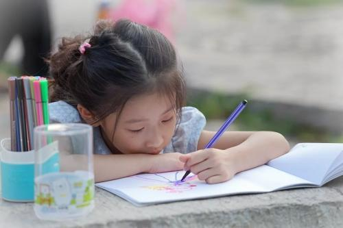 Cha mẹ thường phàn nàn con cái thiếu tập trung trong học tập nhưng lại không biết rằng nguyên nhân chính là ở mình-4