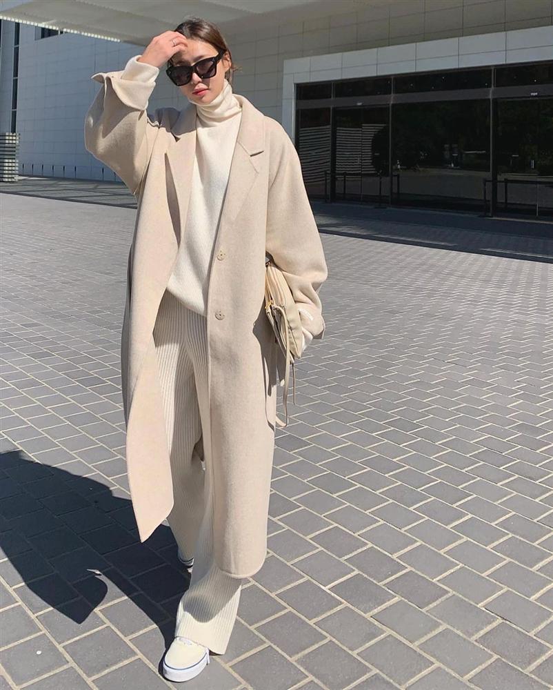 4 phiên bản trẻ trung nhất của áo khoác dạ, chị em nên sắm ngay vì một mùa Đông không già nua chán đời-1